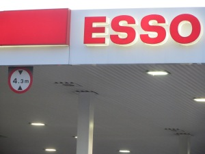 Esso_Height_Sign